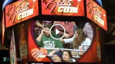 Funniest kiss cam ever at chicago bulls basketball game